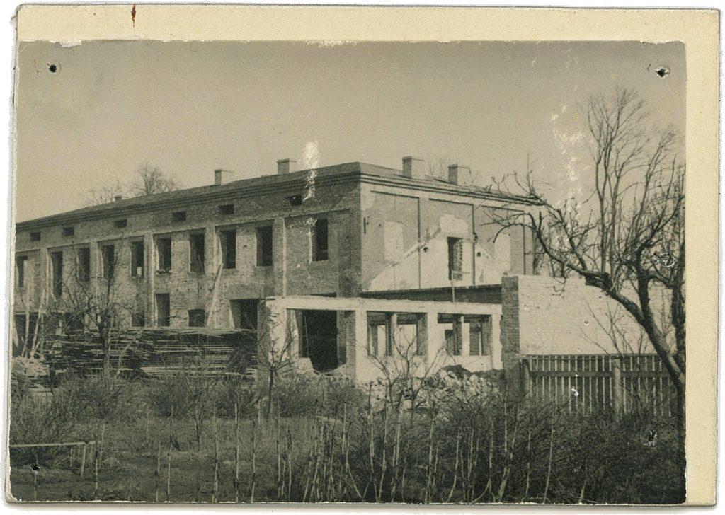 Taastatav TÜ Rool töökoda Riia ja Filosoofi tänava nurgal, vaade hoovi poolt, 1947. a. Foto: Tehase arhiiv