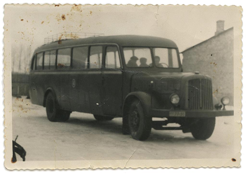 Esimene Tartu Autoremonttöökojas kapitaalremonditud autobuss Magirus šassiil. Foto: Vello Tederi kogust