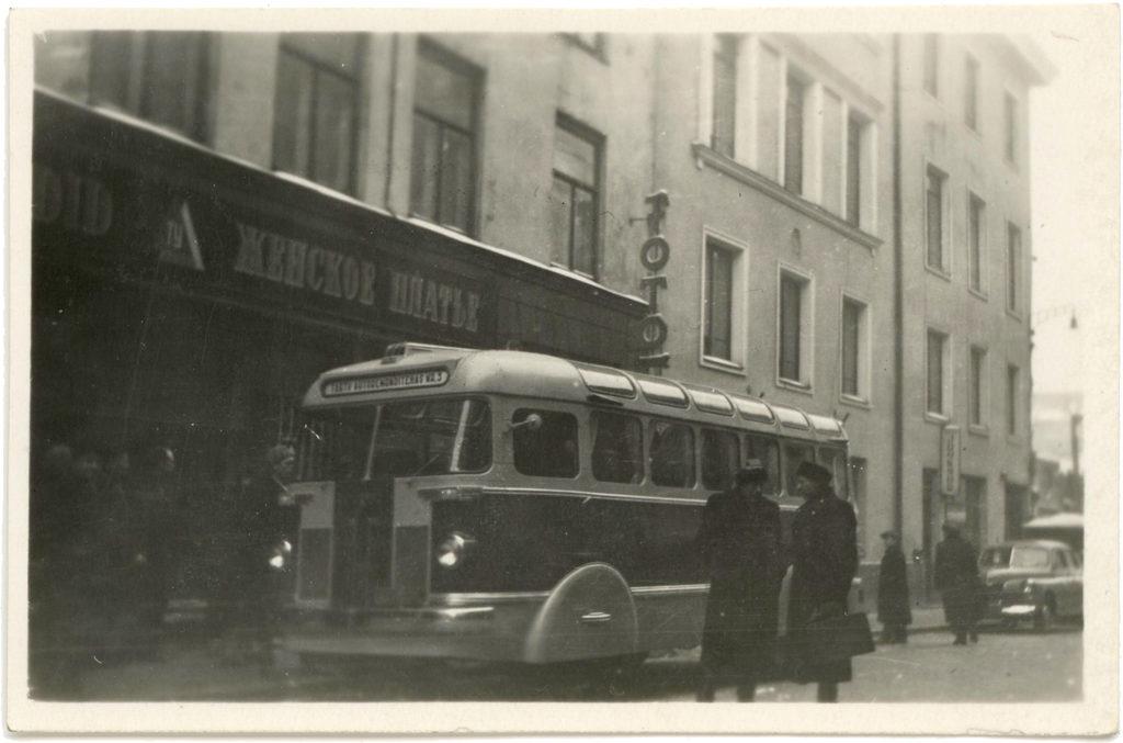 Autobussi TA-6 teine katsemudel 1956. aastal. Foto: TARKT arhiiv.