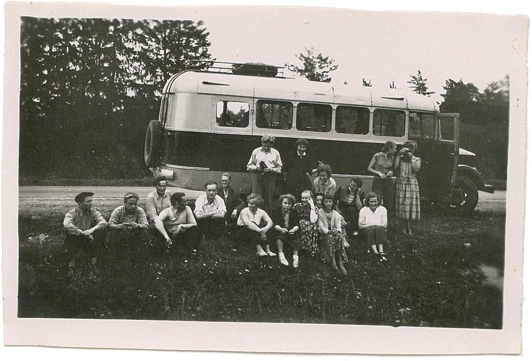 Reisiseltskond TA-1A autobussiga, 1957. Foto Urmet Kaareste kogust.
