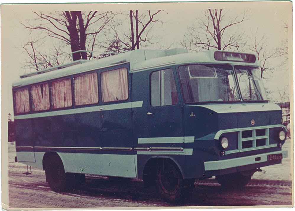 Kineskoopide veoks kohandatud furgoonauto TA-942K. Foto: Tartu ARKT arhiiv